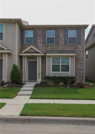 Fort Worth Townhouse For Sale: 2925 Peyton Brook Drive