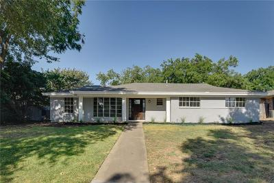 Grand Prairie Single Family Home For Sale: 1301 14th Street