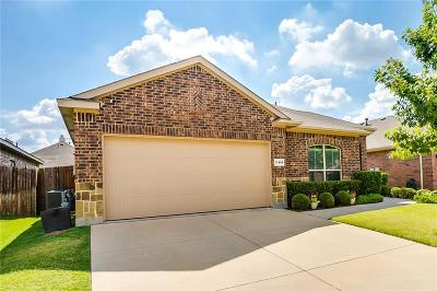 Fort Worth Single Family Home Active Option Contract: 11808 Sundog Way