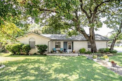 North Richland Hills Single Family Home For Sale: 6941 Briardale Drive