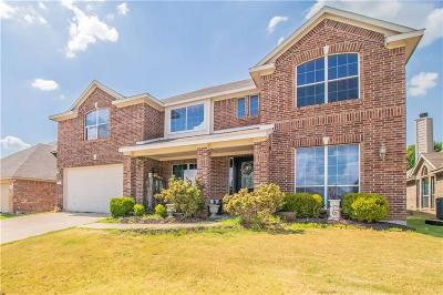 Burleson Single Family Home For Sale: 843 Evergreen Lane