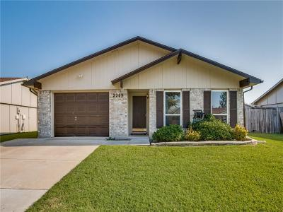 Carrollton Single Family Home For Sale: 2219 Lockwood Drive