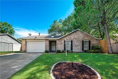 North Richland Hills Single Family Home For Sale: 6940 Southampton Drive