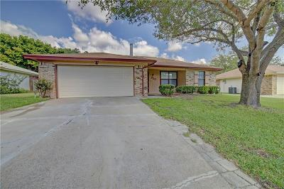 Burleson Single Family Home Active Contingent: 720 Vaughn Drive