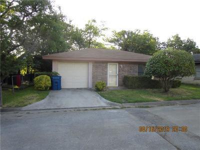 Keene Single Family Home For Sale: 219 Fireside Village Drive
