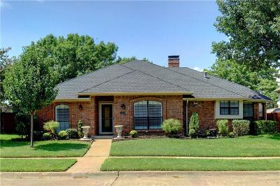 Garland Single Family Home For Sale: 2329 Lone Oak Trail