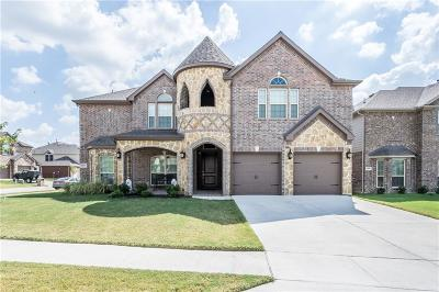 Fort Worth Single Family Home For Sale: 9856 Milkweed Lane