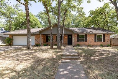 Hurst Single Family Home For Sale: 1304 W Redbud Drive