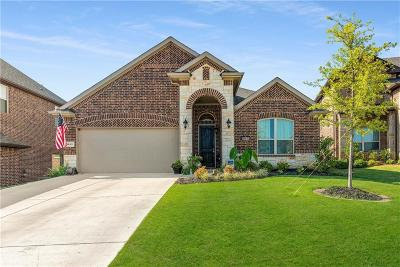 Fort Worth Single Family Home For Sale: 5812 Canyon Oaks Lane