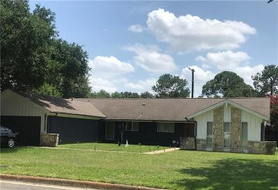 Hurst Single Family Home For Sale: 301 W Pleasantview Drive