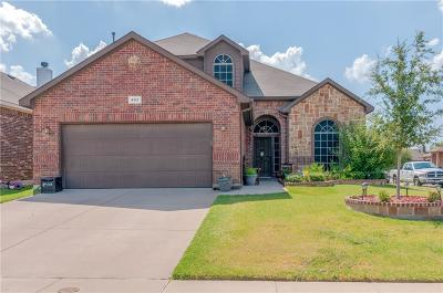 Fort Worth Single Family Home For Sale: 453 Brady Creek Road