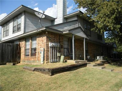 Kennedale Multi Family Home For Sale: 119 Peachtree Court