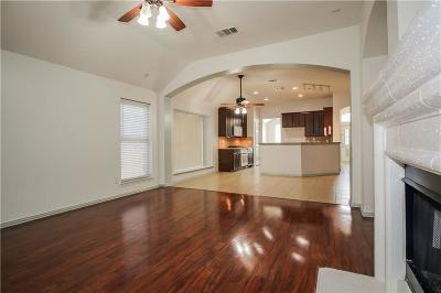 Fort Worth Single Family Home For Sale: 9800 McFarring Drive