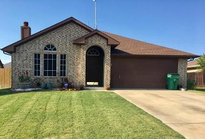 Springtown Single Family Home For Sale: 405 Railey Cove