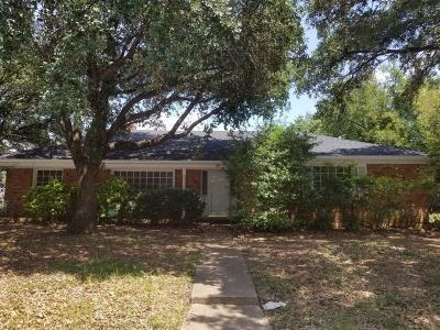 Fort Worth TX Single Family Home For Sale: $165,000