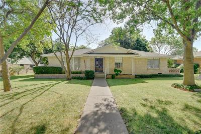 Desoto Single Family Home For Sale: 824 Misty Glen Drive