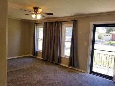 Fort Worth Single Family Home For Sale: 3208 Marys Lane