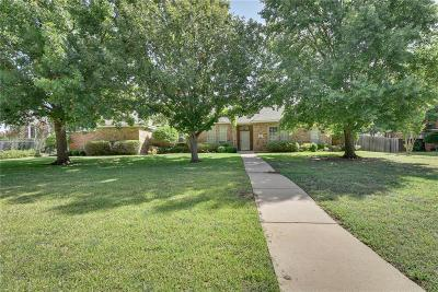 Mansfield Single Family Home For Sale: 1525 Lloyds Hall Court