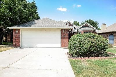 Keller Single Family Home For Sale: 419 Pebblecreek Drive