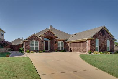 Kennedale Single Family Home For Sale: 404 Lone Oak Court