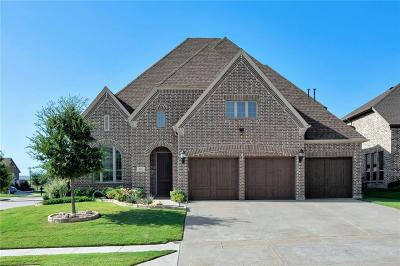 Denton County Single Family Home For Sale: 927 Champions Way