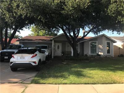 Irving Single Family Home For Sale: 3421 Cavalier Court