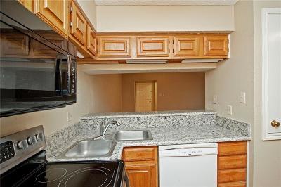Dallas Condo For Sale: 8545 Midpark Road #2