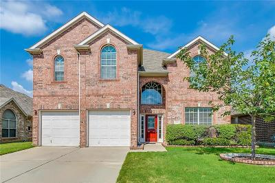 Fort Worth Single Family Home For Sale: 10325 Jaybird Drive