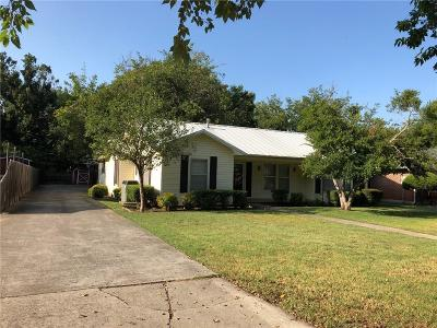 Cooke County Single Family Home For Sale: 210 E Tennie Street