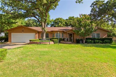 Bedford Single Family Home For Sale: 709 Monette Drive