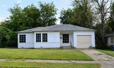 Tarrant County Single Family Home For Sale: 3463 W Gambrell Street