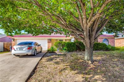 Tarrant County Single Family Home For Sale: 3309 Appomattox Drive