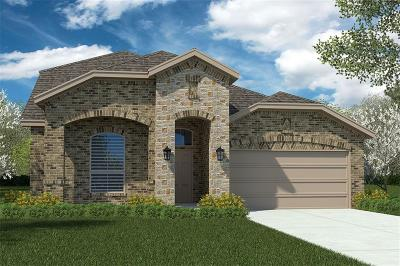 Cleburne Single Family Home For Sale: 1112 Burlingame Drive