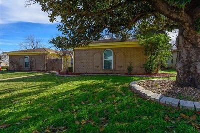 Tarrant County Single Family Home For Sale: 5024 Emerald Lake Drive