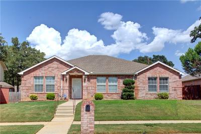 Arlington Single Family Home For Sale: 5519 Chimney Rock Drive