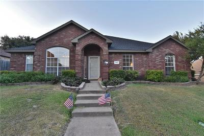 Desoto Single Family Home For Sale: 449 The Meadows Parkway