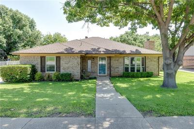 Bedford Single Family Home For Sale: 2708 Clearmeadow Street
