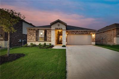 Aubrey Single Family Home For Sale: 1821 Trace Drive