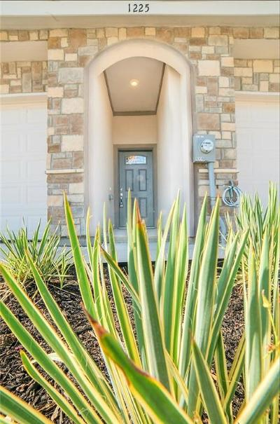 Johnson County Townhouse For Sale: 1225 Summerset Lane