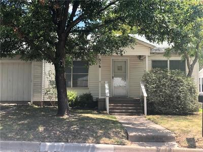 Dallas County, Denton County, Collin County, Cooke County, Grayson County, Jack County, Johnson County, Palo Pinto County, Parker County, Tarrant County, Wise County Single Family Home For Sale: 516 Hobson Street