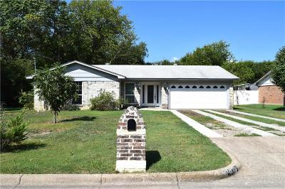 Benbrook Single Family Home For Sale: 1136 Bryant Street
