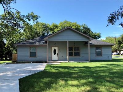 Dallas County, Denton County, Collin County, Cooke County, Grayson County, Jack County, Johnson County, Palo Pinto County, Parker County, Tarrant County, Wise County Single Family Home For Sale: 613 E Epstein Street