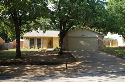 Bedford Single Family Home For Sale: 3725 Hackberry Lane