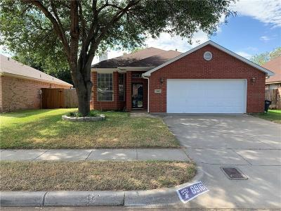 Fort Worth TX Single Family Home For Sale: $236,000