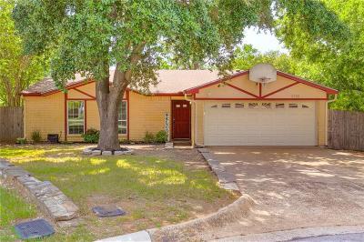 Arlington Single Family Home For Sale: 5702 Lordsburg Trail