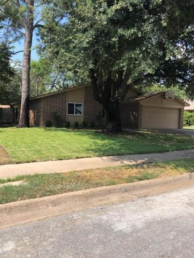 Keller Single Family Home Active Option Contract: 328 Cheyenne Trail