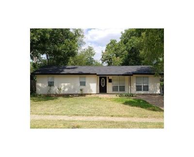 Euless Single Family Home For Sale: 501 Milam Drive