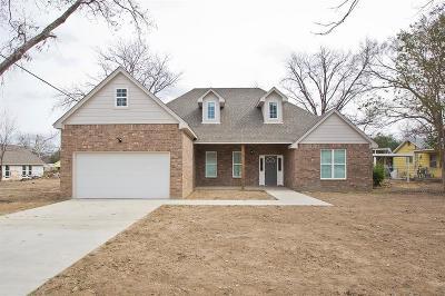 White Settlement Single Family Home For Sale: 411 Mirike Drive