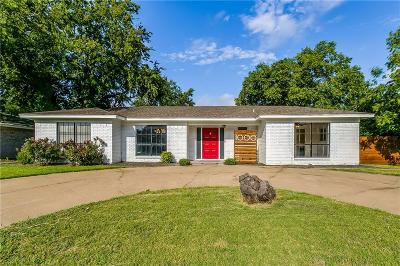 Benbrook Single Family Home For Sale: 1000 Park Drive