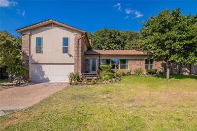 Arlington Single Family Home For Sale: 5709 Trail Lake Drive
